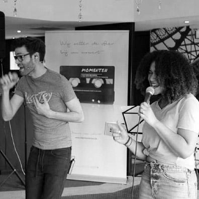 Live muziek zangers tijdens feestje