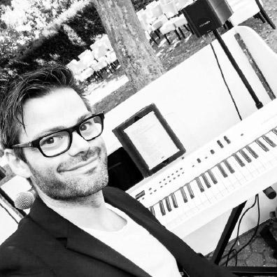 Live pianist tijdens een ceremonie