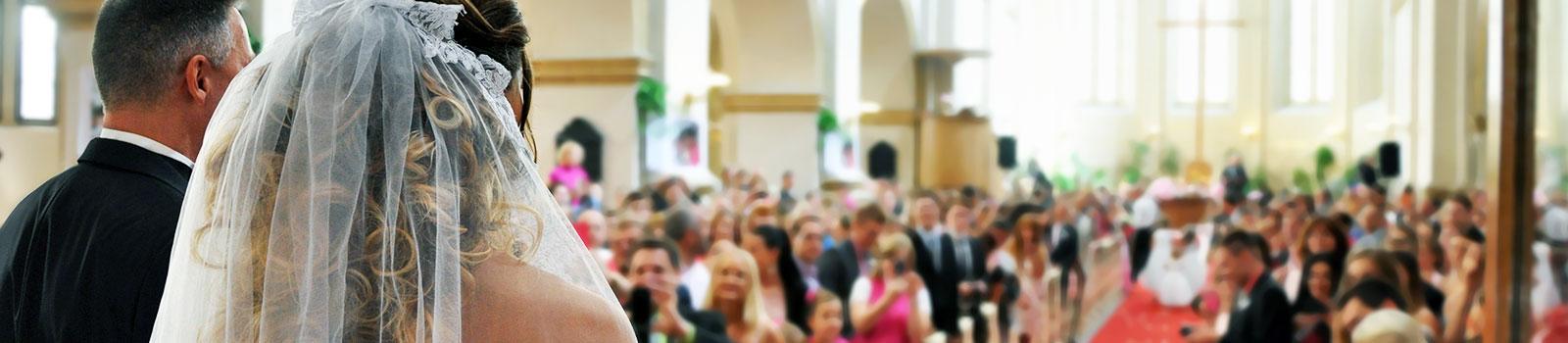 Live muziek tijdens de ceremonie: binnenkomst van de bruid