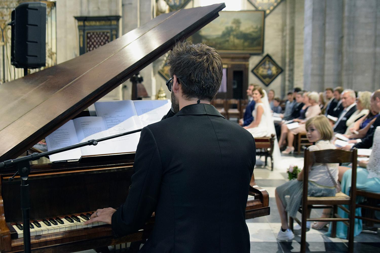 Muziek tijdens een huwelijksceremonie